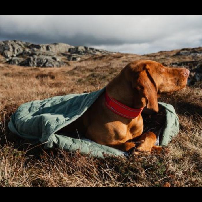 hurtta outback dreamer dog sleeping bag